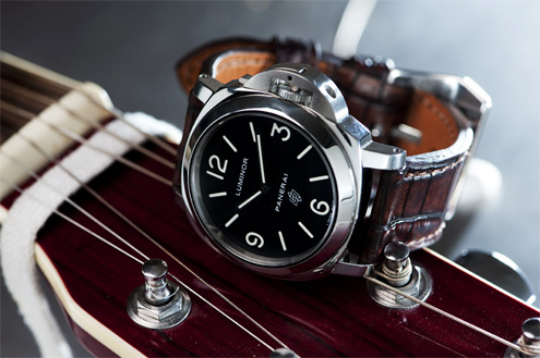 Lau & Van Leijden alligator strap on a Panerai PAM000