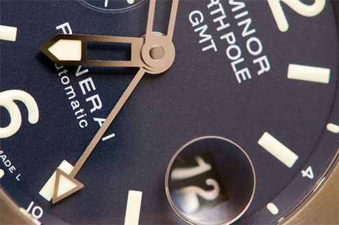 PAM252 Panerai Luminor North Pole GMT dial close up