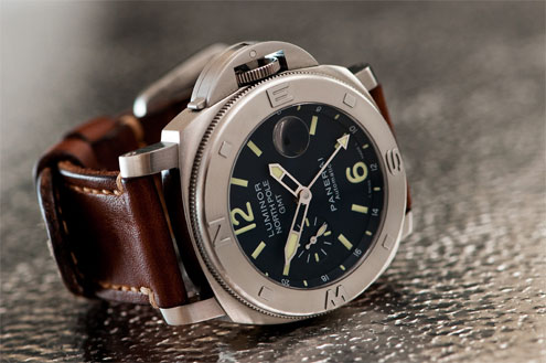 PAM252 Panerai Luminor North Pole GMT