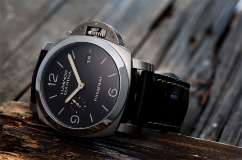 Panerai PAM351 with brown dial and gold hands