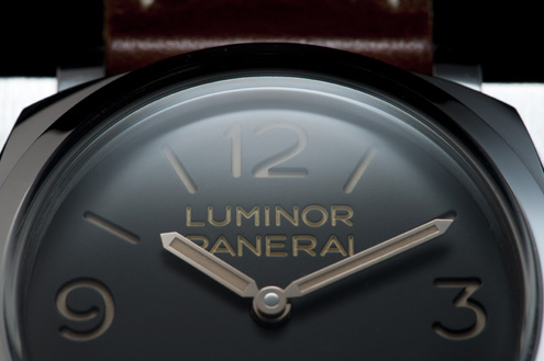 Panerai PAM372 close up of the dial