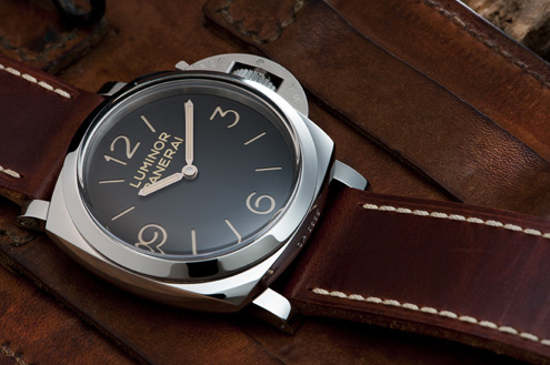 Panerai PAM372 brown dial